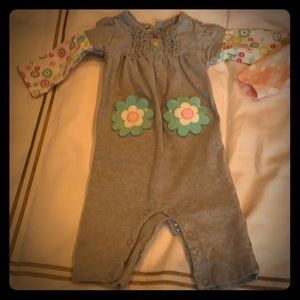 Lot of baby girl clothes 0-3 months